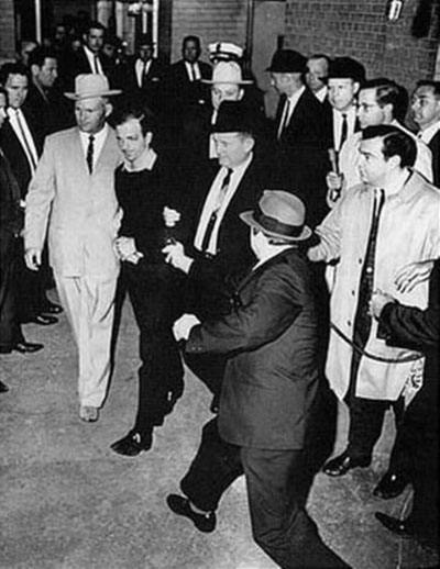 Lee_Harvey_Oswald_being_shot_by_Jack_Ruby_as_Oswald_is_being_moved_by_police400.jpg