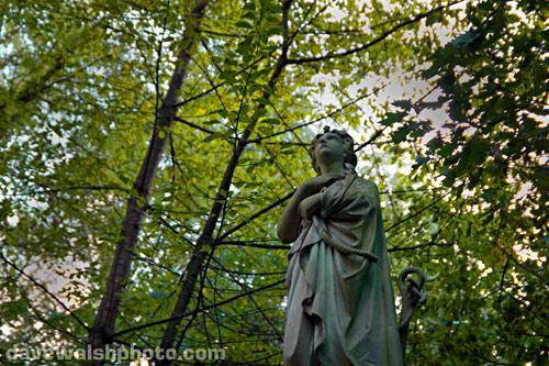 Highgate Cemetery statue