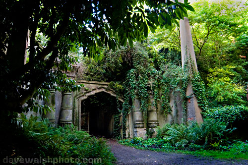 Highgate Cemetery, Circle of Lebanon