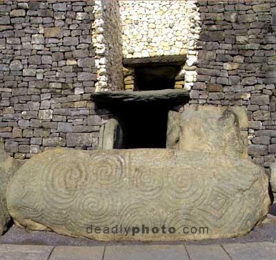 Newgrange, entrance