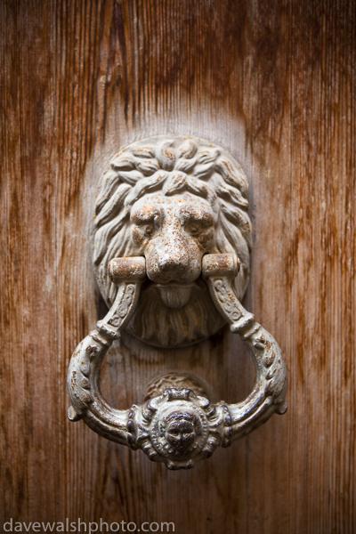 Door Knocker, Soller